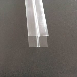Cerniera in plastica trasparente